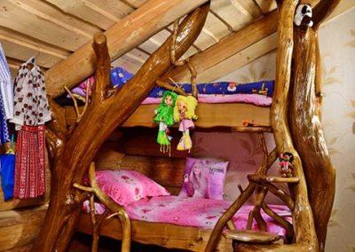 amenajare-camera-copii-pat-pentru-copii-din-lemn-masiv