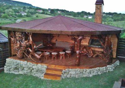 pavilion-din-lemn-cu-loc-de-gratar