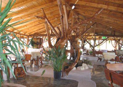 restaurant-cu-mobilier-din-lemn