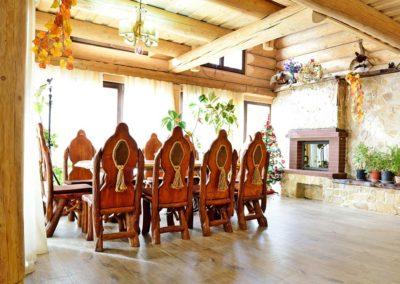 set-scaune-model-rustic-din-lemn-masiv-cu-decoratiuni-din-franghie-salon-cabana