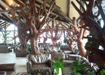 stalpi-decorativi-din-lemn-de-carpen